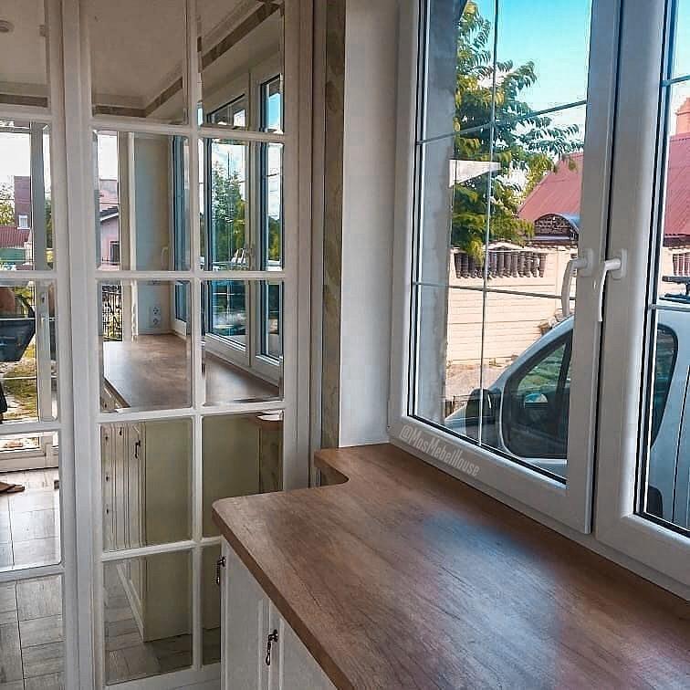 Узорчатый кухонный стеллаж