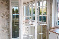 Пример стеклянного стеллажа